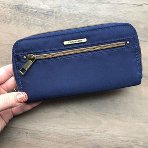 NWT Travelon Navy Wallet with RFID Blocking Tech